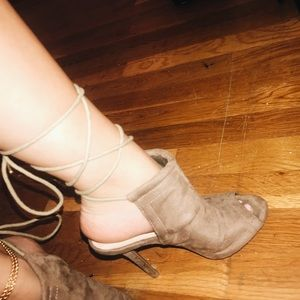 Shoes - BROWN HEELS WITH LACE
